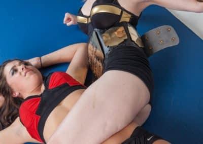 Bodyscissors - Monroe Jamison vs Scarlett Squeeze - 2014