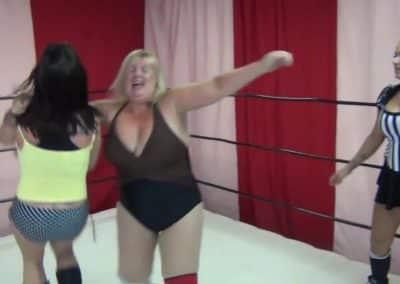 Christie Ricci vs Diane Von Hoffman - Women's Pro Wrestling!